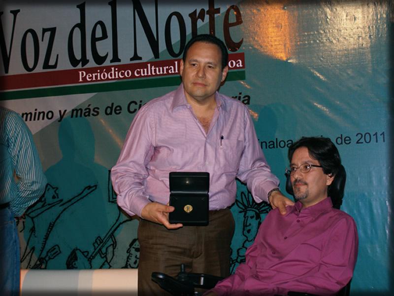 Entrega de la medalla al Mérito Periodístico José Sabás de la Mora a Martín Amaral