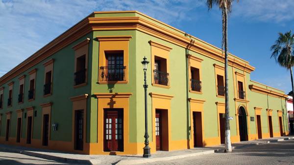 Del centenario hotel Inzunza a Misión de Mocorito