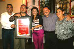 Recibe reconocimiento Carlos Antonio Sosa Valencia