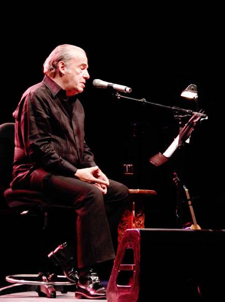 Óscar Chávez El Llanero Solitario de la canción mexicana
