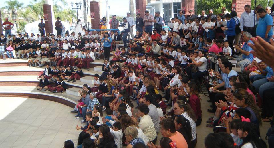 "Primera Feria del Libro Infantil y Juvenil de Navojoa ""Mira quien lee…"""