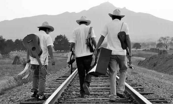¿POR QUÉ SE REQUIERE PREPARARSE PARA EL CANTO TRADICIONAL MEXICANO?