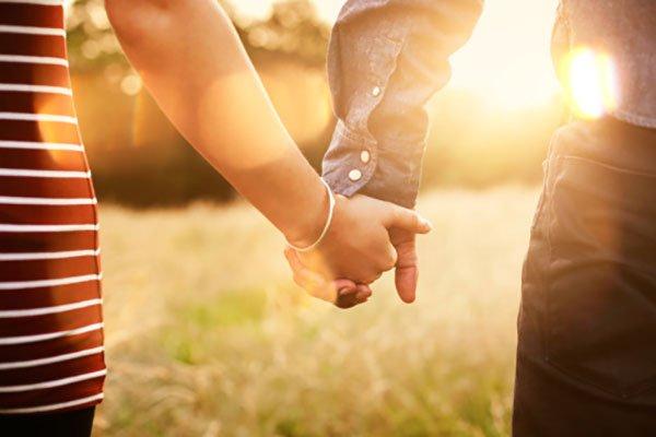 AMOR, LOVE, AMOUR Si el amor no es bello ni bueno, ¿será feo y malo?